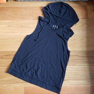 Hooded Muscle Tee in Black